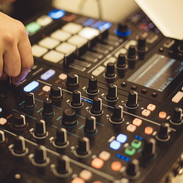 Kurs DJ ing Tageskurs